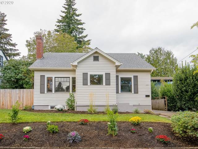 3425 NE 56TH Ave, Portland, OR 97213 (MLS #20012328) :: The Galand Haas Real Estate Team