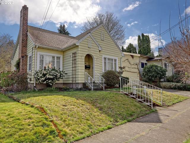 3204 SE Kelly St, Portland, OR 97202 (MLS #20013446) :: The Liu Group