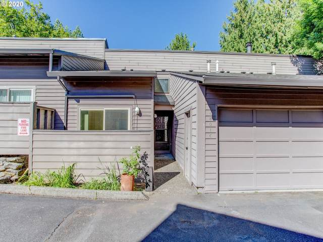 4801 SW Caldew St C, Portland, OR 97219 (MLS #20019266) :: Stellar Realty Northwest