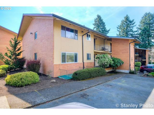 1400 SE Lava Dr #3, Milwaukie, OR 97222 (MLS #20021792) :: Fox Real Estate Group