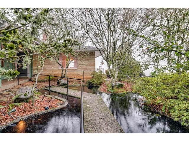 909 SW Red Hills Dr, Dundee, OR 97115 (MLS #20025172) :: Change Realty
