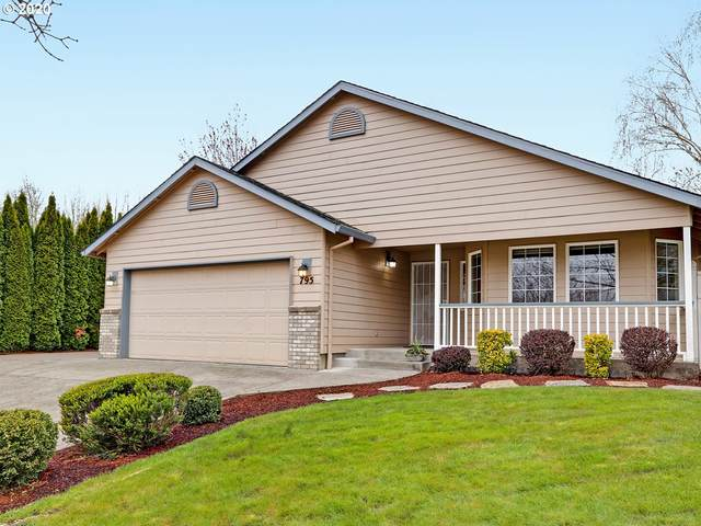795 SW Sitka Dr, Mcminnville, OR 97128 (MLS #20031608) :: Song Real Estate
