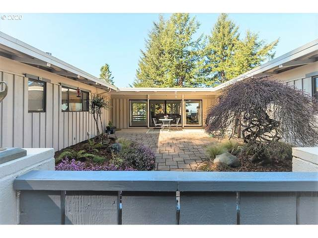 93884 Makai Ln, North Bend, OR 97459 (MLS #20036636) :: Fox Real Estate Group