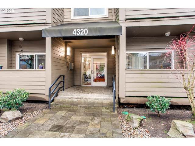 4320 SW Corbett Ave #309, Portland, OR 97239 (MLS #20042057) :: Next Home Realty Connection