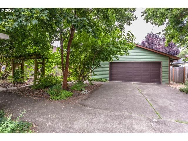 3665 SE Flavel St, Portland, OR 97202 (MLS #20042694) :: Fox Real Estate Group