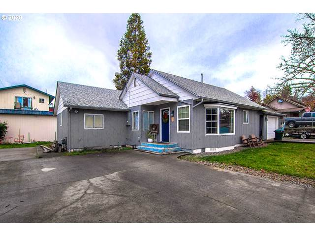 1688 NW Eden St, Roseburg, OR 97470 (MLS #20042776) :: Townsend Jarvis Group Real Estate