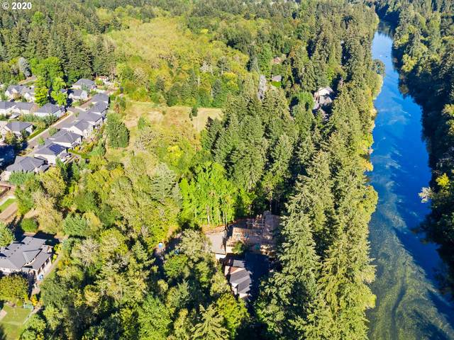19368 Riverwood Ln, Lake Oswego, OR 97035 (MLS #20043315) :: Coho Realty