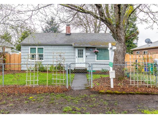 1226 SE 86TH Ave, Portland, OR 97216 (MLS #20045143) :: Holdhusen Real Estate Group