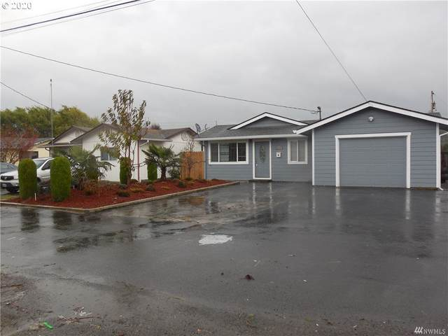 910 S 11TH Ave, Kelso, WA 98626 (MLS #20045682) :: Fox Real Estate Group