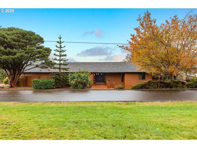 1420 Madison Ave, Astoria, OR 97103 (MLS #20046281) :: Premiere Property Group LLC