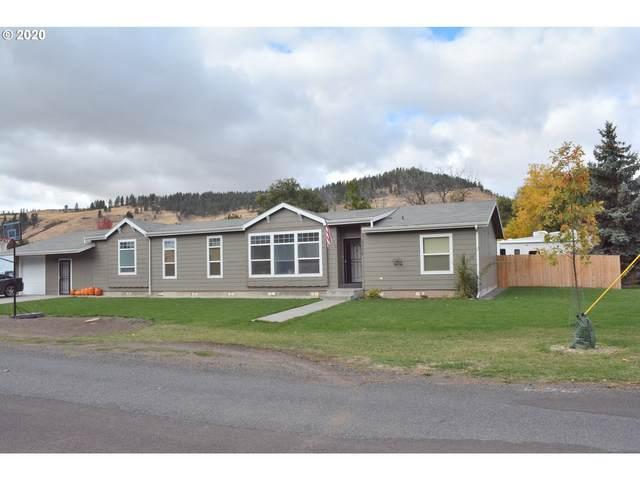3008 1ST St, La Grande, OR 97850 (MLS #20046691) :: Song Real Estate