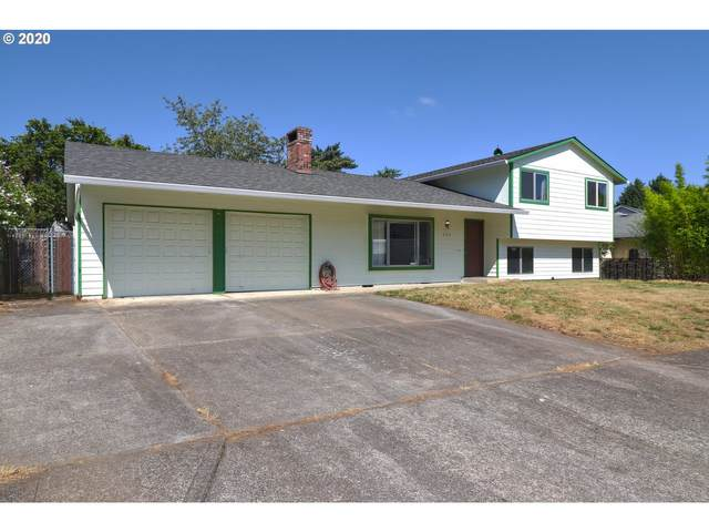 823 NE 199TH Ave, Portland, OR 97230 (MLS #20050378) :: The Galand Haas Real Estate Team