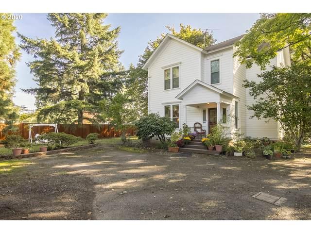 806 SE Davis St, Mcminnville, OR 97128 (MLS #20051353) :: Brantley Christianson Real Estate