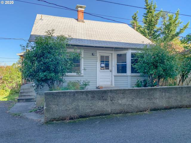 646 W Madrone St, Roseburg, OR 97470 (MLS #20054290) :: Duncan Real Estate Group