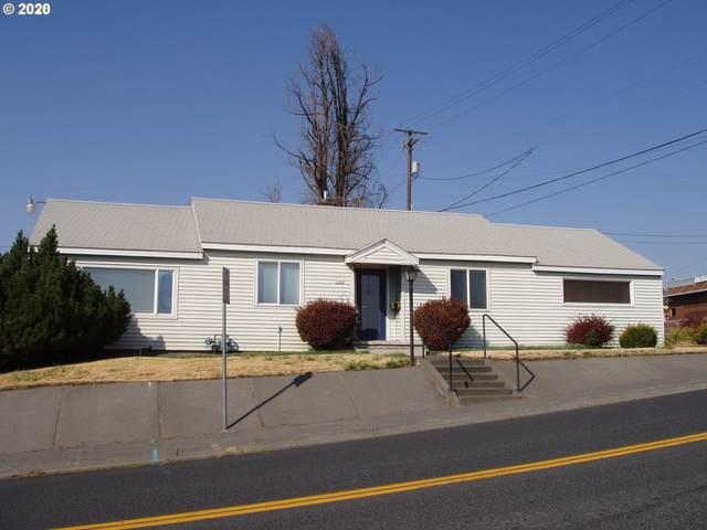 1102 SW 30th St, Pendleton, OR 97801 (MLS #20055665) :: Premiere Property Group LLC