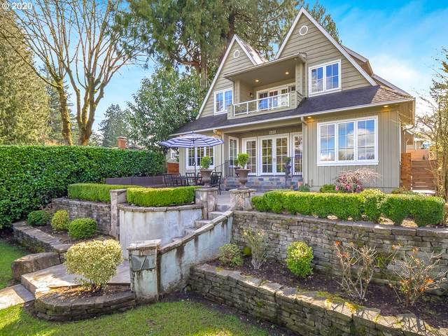 408 Northshore Rd, Lake Oswego, OR 97034 (MLS #20067344) :: McKillion Real Estate Group