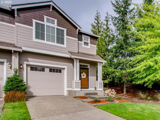 15721 SE Swift Ct, Clackamas, OR 97015 (MLS #20076018) :: Gustavo Group