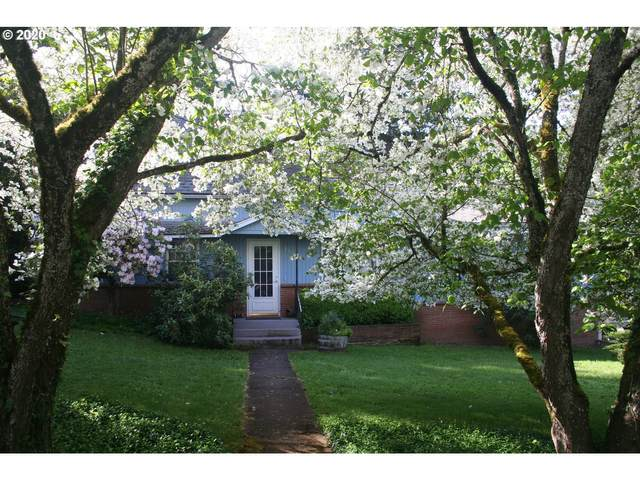 718 E Main St, Silverton, OR 97381 (MLS #20090978) :: Townsend Jarvis Group Real Estate