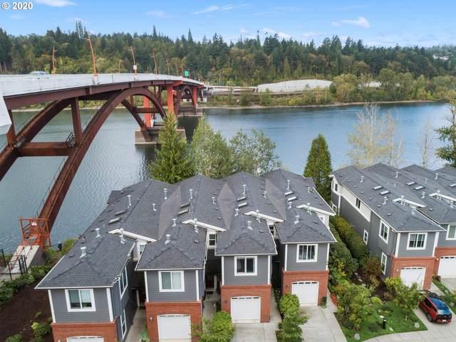 188 SE Spokane St #4, Portland, OR 97202 (MLS #20091923) :: Song Real Estate