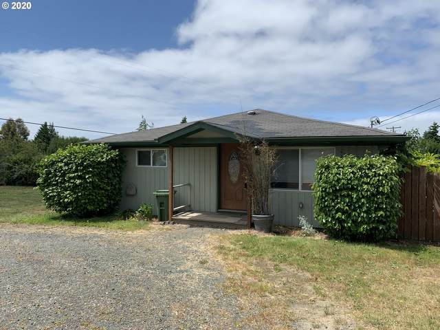 2590 Ash St, North Bend, OR 97459 (MLS #20094028) :: Fox Real Estate Group