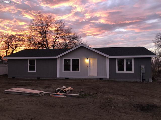375 NE Eighth Rd, Irrigon, OR 97844 (MLS #20097431) :: Beach Loop Realty