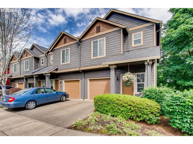 810 E 9TH St, Newberg, OR 97132 (MLS #20100600) :: Fox Real Estate Group