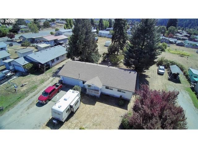 960 NE Bond St, Myrtle Creek, OR 97457 (MLS #20101514) :: Cano Real Estate