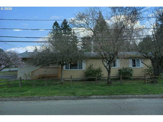 4634 SW Pomona St, Portland, OR 97219 (MLS #20103835) :: Song Real Estate