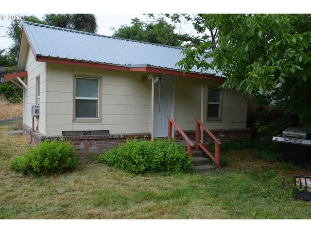 215 W 7TH, The Dalles, OR 97058 (MLS #20106696) :: Holdhusen Real Estate Group