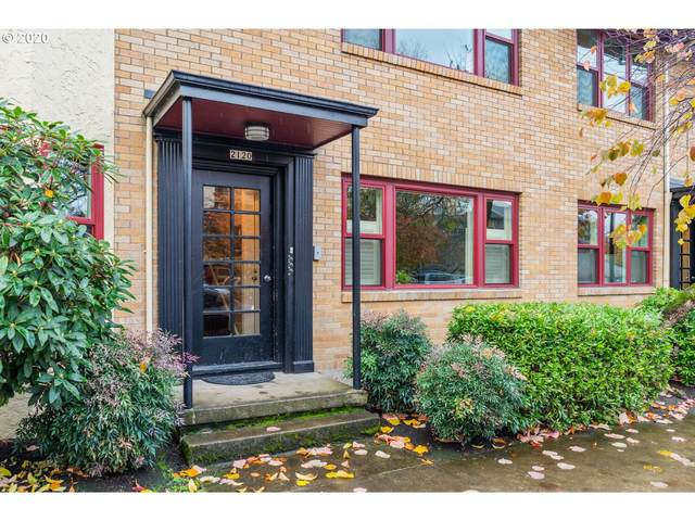 2120 NE Halsey St #30, Portland, OR 97232 (MLS #20106786) :: Next Home Realty Connection