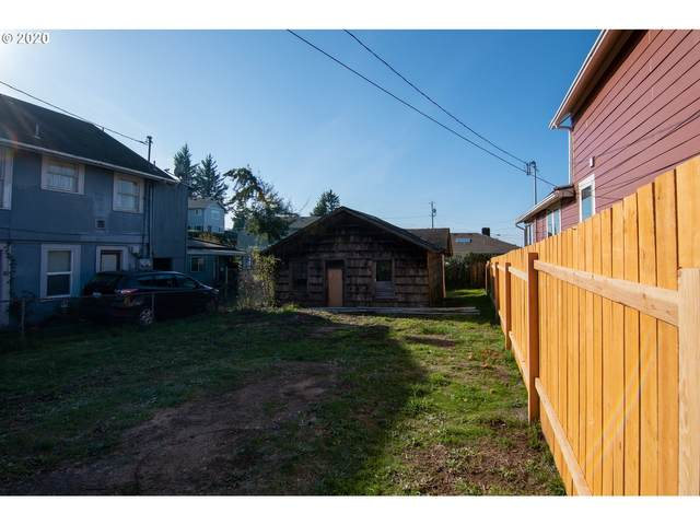 2152 Mcpherson #3600, North Bend, OR 97459 (MLS #20116374) :: Beach Loop Realty