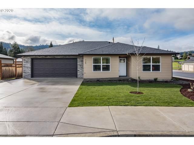 725 SE Lanola St, Winston, OR 97496 (MLS #20116489) :: McKillion Real Estate Group