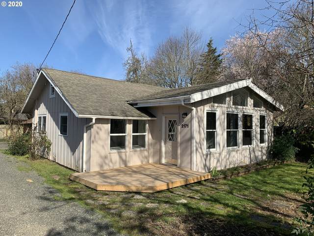2171 Cal Young Rd, Eugene, OR 97401 (MLS #20116613) :: Premiere Property Group LLC