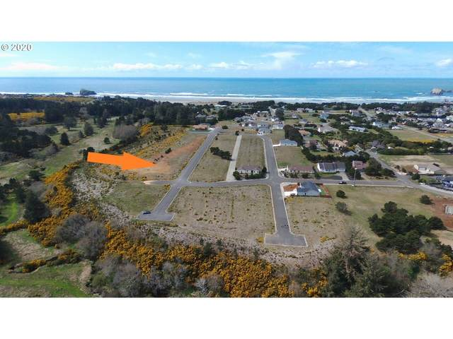 731 Seacrest Dr, Bandon, OR 97411 (MLS #20123579) :: The Haas Real Estate Team