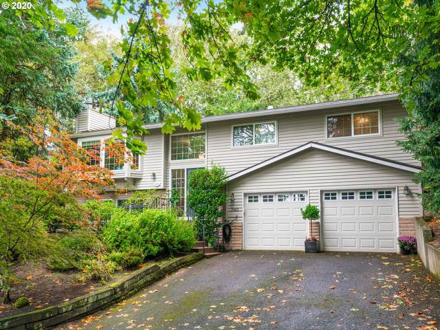 7465 SW Canyon Dr, Portland, OR 97225 (MLS #20126853) :: The Galand Haas Real Estate Team