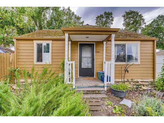 9507 NE Gertz Cir, Portland, OR 97211 (MLS #20138109) :: Holdhusen Real Estate Group
