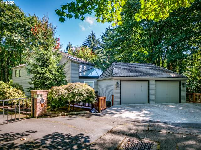2535 SW Patton Ct, Portland, OR 97201 (MLS #20142929) :: Cano Real Estate