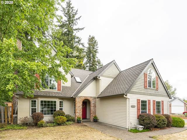 8315 SW Rogue Ln, Wilsonville, OR 97070 (MLS #20146411) :: Fox Real Estate Group