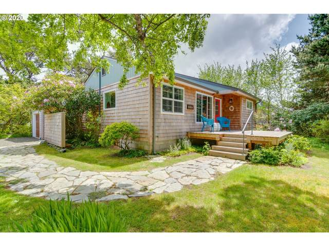 699 N Cottage Ave, Gearhart, OR 97138 (MLS #20152062) :: Premiere Property Group LLC