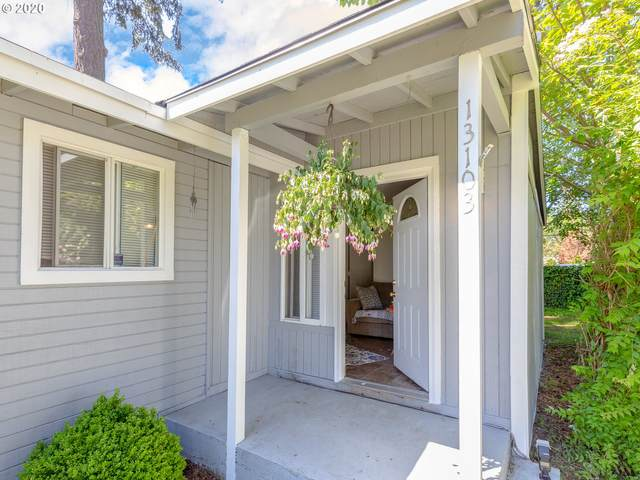 13101 SE Lincoln St, Portland, OR 97233 (MLS #20156311) :: Fox Real Estate Group