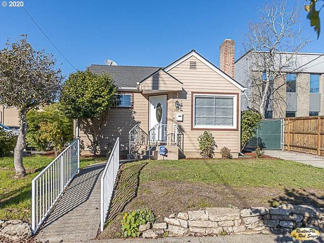 308 E 17TH St, Vancouver, WA 98663 (MLS #20159469) :: Holdhusen Real Estate Group