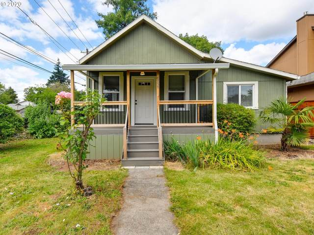 2237 SE Park Ave, Milwaukie, OR 97222 (MLS #20166067) :: Fox Real Estate Group
