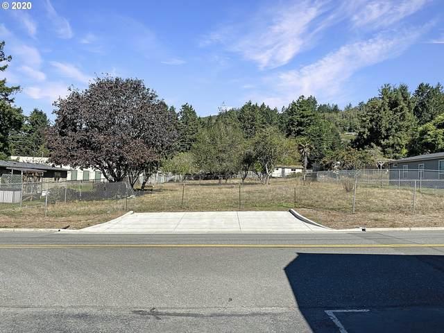 E Benham, Brookings, OR 97415 (MLS #20166766) :: McKillion Real Estate Group