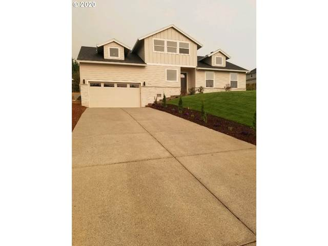 8940 SE Spy Glass Dr, Happy Valley, OR 97086 (MLS #20168651) :: Change Realty