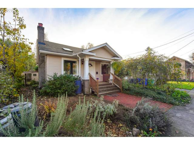 4002 SE Gladstone St, Portland, OR 97202 (MLS #20169182) :: The Galand Haas Real Estate Team