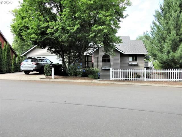 205 Hidalgo St, Lake Oswego, OR 97035 (MLS #20171795) :: Song Real Estate