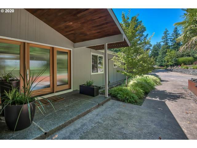 4130 SW Downs View Ct, Portland, OR 97221 (MLS #20172740) :: Gustavo Group