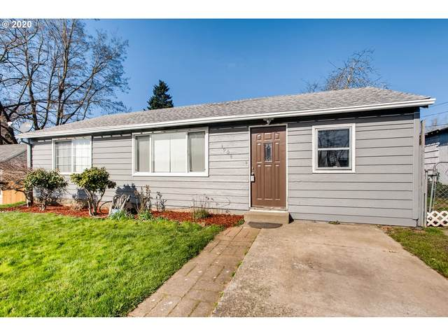 1904 W 27TH St, Vancouver, WA 98660 (MLS #20192648) :: Townsend Jarvis Group Real Estate