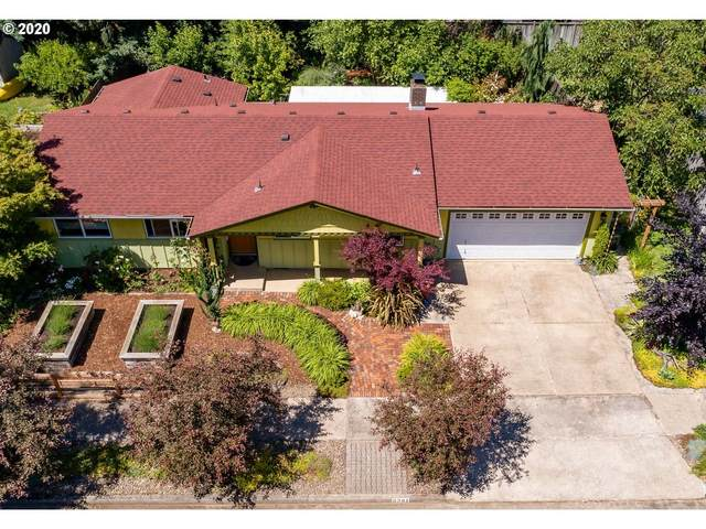 3361 W 14TH Ave, Eugene, OR 97402 (MLS #20193111) :: Song Real Estate