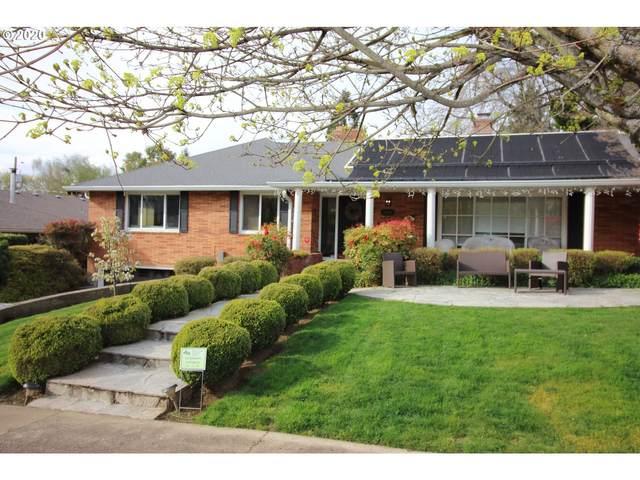 3663 SE Claybourne St, Portland, OR 97202 (MLS #20193936) :: Matin Real Estate Group